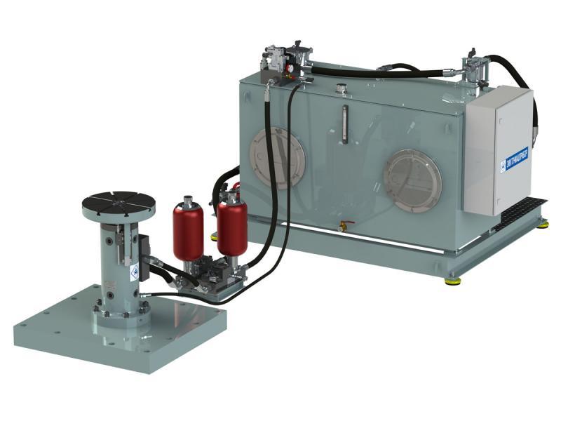 <p>Вибростенд предназначен для проведения испытаний на вибропрочность и виброустойчивость изделий машиностроительной, электротехнической, радиотехнической и других отраслей промышленности, а также для исследования их динамических характеристик, надежности, ресурса при синусоидальной и прямоугольной форме циклов вибрации.</p> <h2>Технические характеристики вибростенда испытательного «Импульс-100»</h2> <ol> <li>Возбудитель вибрации. В существующих схемах масло сливается в бак, вызывая такие негативные явления, как бурление, приводящее к вспениванию масла.</li> <li>Гидравлическая схема вибростенда обеспечивает работу насоса высокого давления по замкнутому циклу: масло из нижней полости цилиндра через сливной канал сервоклапана поступает во всасывающую полость насоса, отделенную от системы подпитки обратным клапаном.</li> <li>Дифференциальный цилиндр с регулируемой гидравлической жесткостью (нижняя полость — управляемая, верхняя — под постоянным давлением) обеспечивает высокую динамичность на малой подушке при больших частотах, и большую амплитуду перемещений при низких частотах.</li> <li>Оригинальная конструкция гидростатических подшипников возбудителя вибрации обеспечивает высокую поперечную жесткость и надежность работы.</li> </ol> <p>Система подпитки насоса высокого давления рассчитана на восполнение утечек через гидростатические подшипники цилиндра и утечек в гидроаппаратуре. Это примерно 10% от максимального расхода. Остальное поступает от цилиндра, т.е. насос на 90% работает по замкнутому циклу.</p> <p>Все утечки сливаются в бак, из бака насосом низкого давления масло через обратный клапан подается во всасывающую полость насоса высокого давления.</p> <p>Гидроаккумуляторы установлены непосредственно на возбудителе вибрации, что обеспечивает более эффективное их использование и упрощает конструкцию вибростенда в целом: отсутствует изделие «гидроаккумуляторная станция», занимающее большую площадь помещения лаборатории, упрощается гидравлическая разводка между насосн